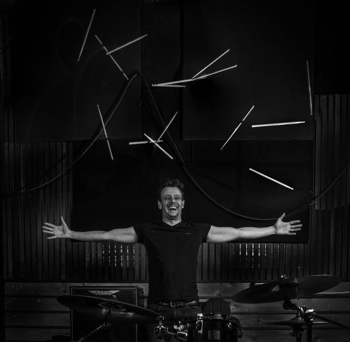 leo_drumsticks_final